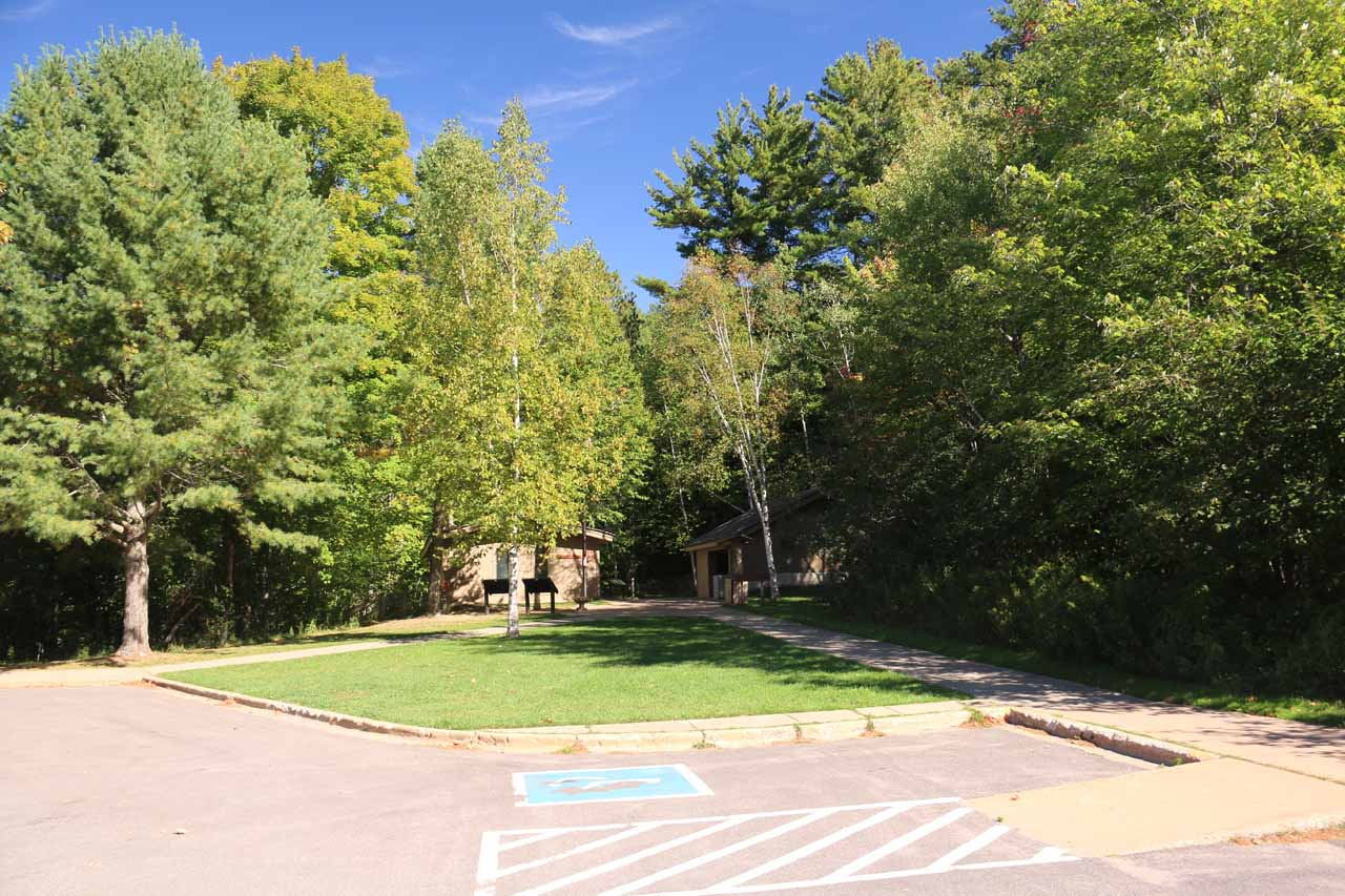 The large car park at Munising Falls