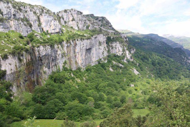 Nacimiento_del_Rio_Ason_024_06142015 - The Nacimiento del Río Asón Waterfall