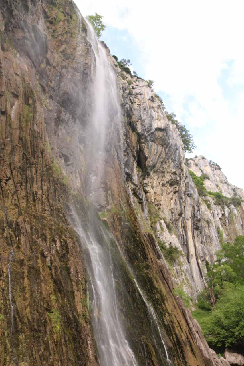 Looking up towards the top of the drop of the Nacimiento del Río Asón
