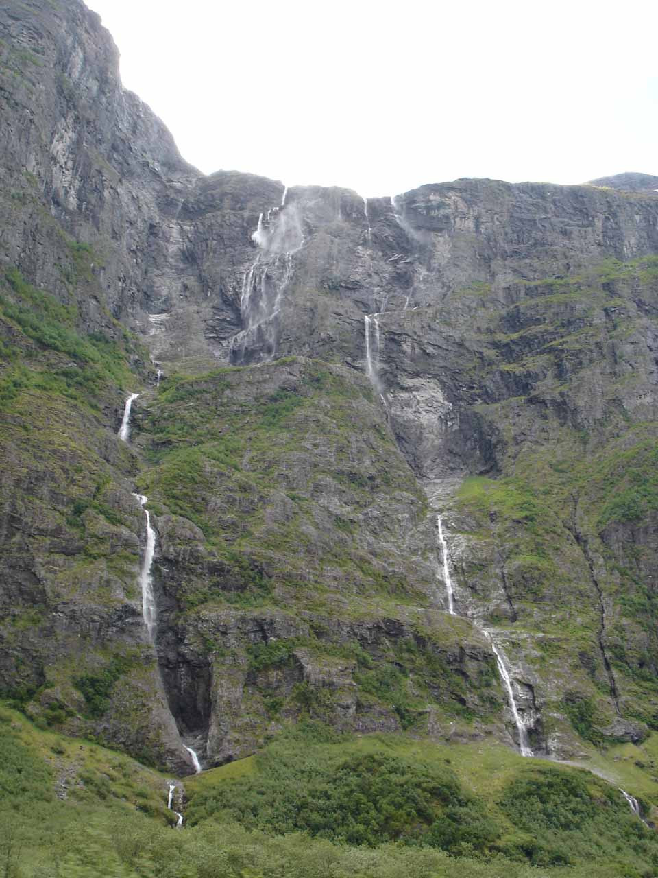 Julie noticed a few other strandy waterfalls as we were approaching Kjelfossen while driving within Nærøydal Valley