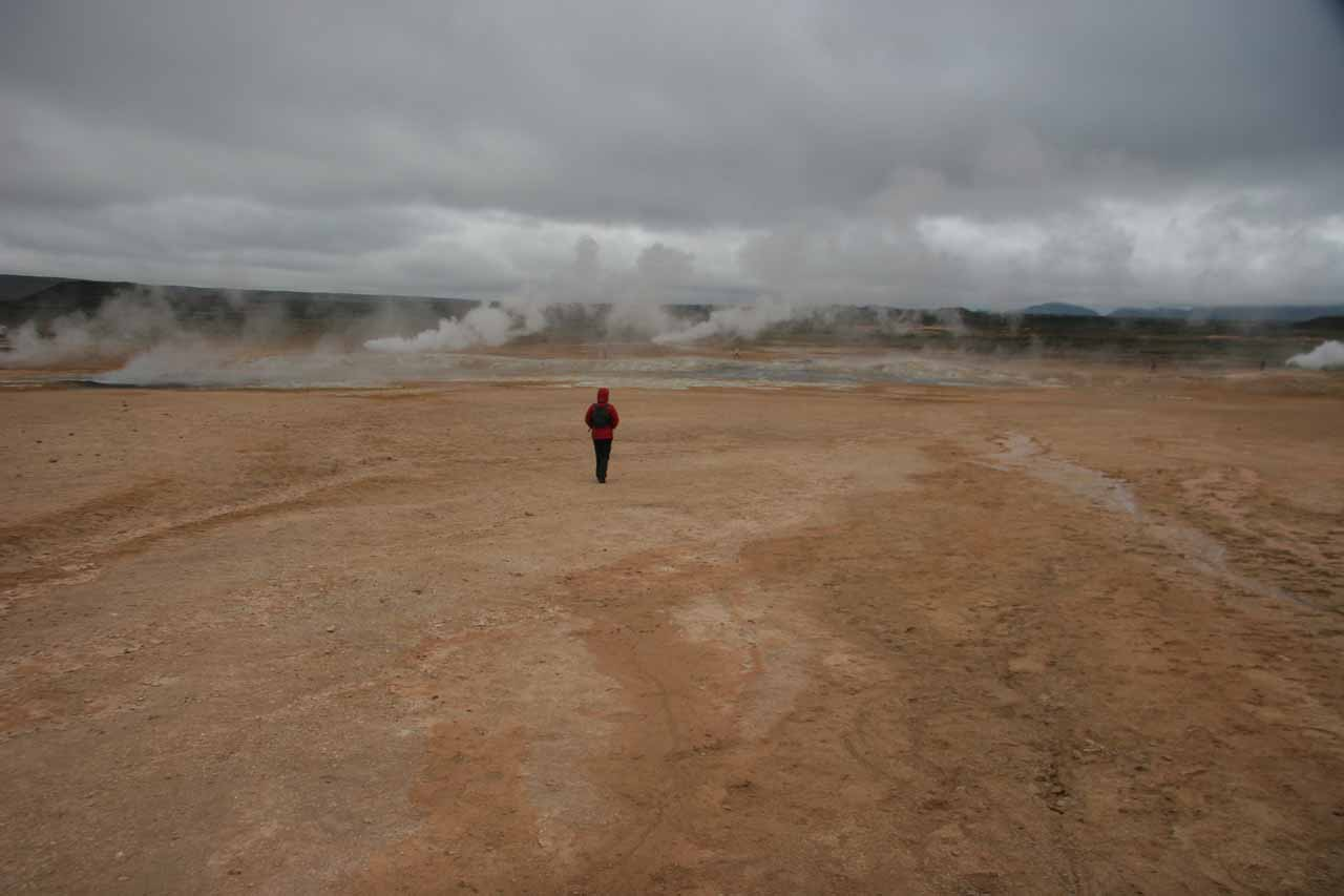 Walking about the geothermal features of Námaskarð