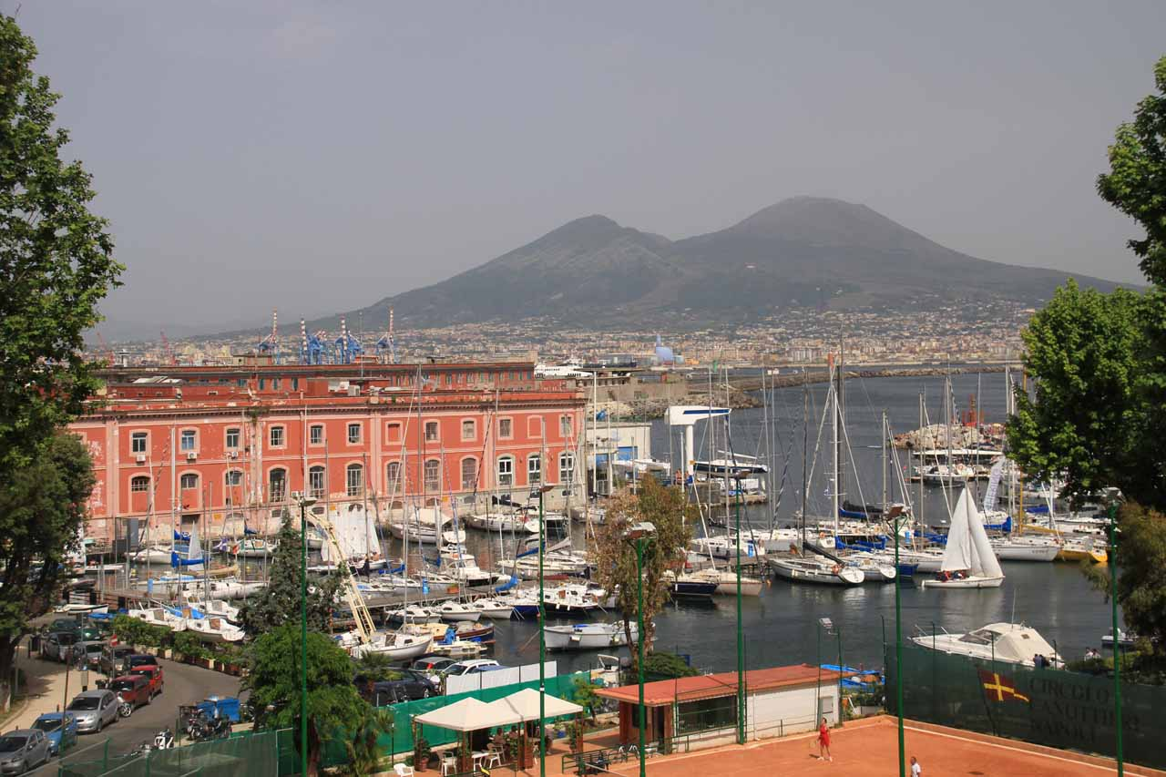 We picked up the hire car from the city of Naples before making the long 4- to 5-hour drive out to Cascata del Rio Verde, but we were quite glad to have visited Naples and its underappreciated charm