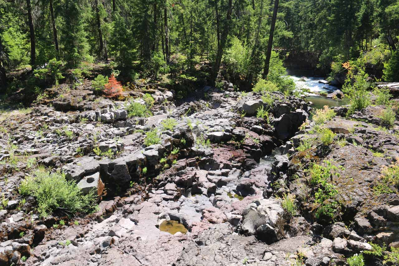 This eerily bare section of the Rogue River was where most of the river raged hidden underneath the Natural Bridge before re-emerging 200 yards further downstream