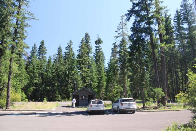 Natural_Bridge_rogue_049_07152016 - The large parking lot with restroom facility at the Natural Bridge on the Rogue River