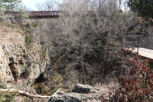 Natural_Falls_SP_020_03172016 - Context of the overhanging observation platform above the Natural Falls with a bridge traversing the canyon in the background