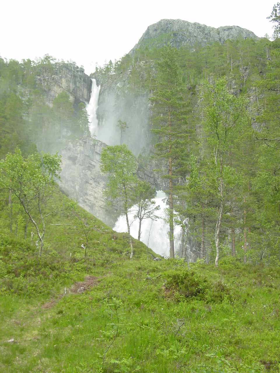 Not much further before I get to the real wet part of the walk near Nauståfossen