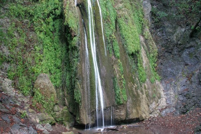 Nojoqui_Falls_040_02132009 - Looking at the bottom of Nojoqui Falls
