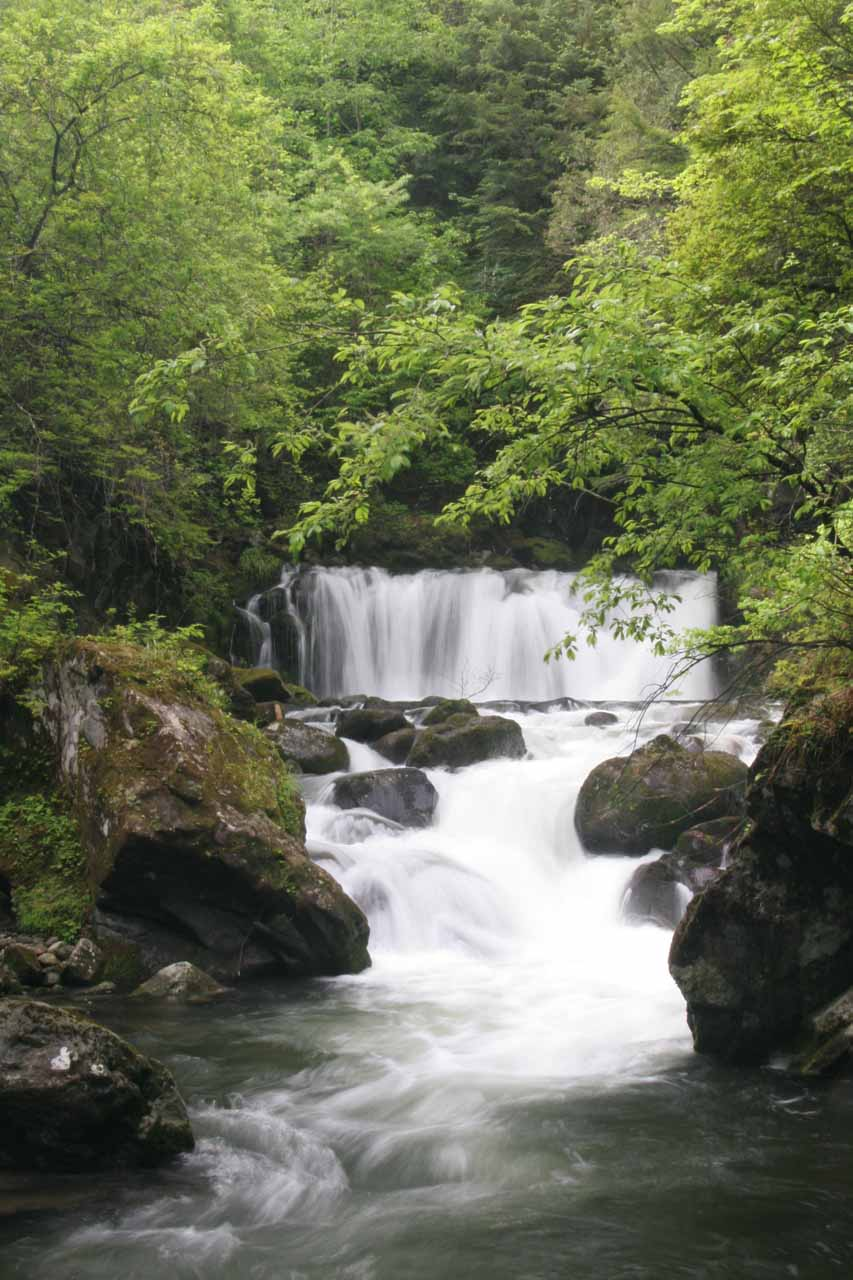 This was the 8m Little Bandokoro Waterfall, which was one of the attractive cascades just upstream from Bandokoro-Otaki