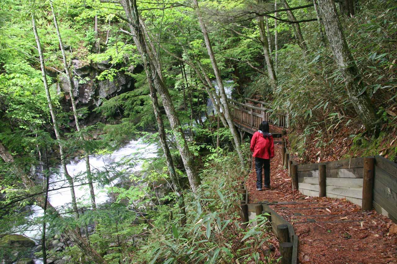 Julie on the trail upstream of Bandokoro Waterfall
