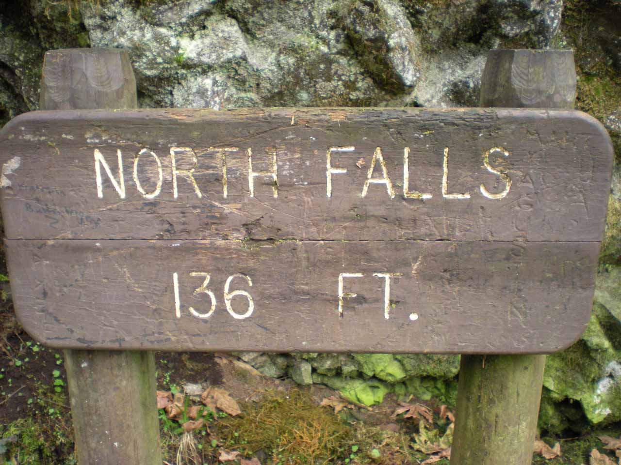 Signpost of North Falls telling us its height