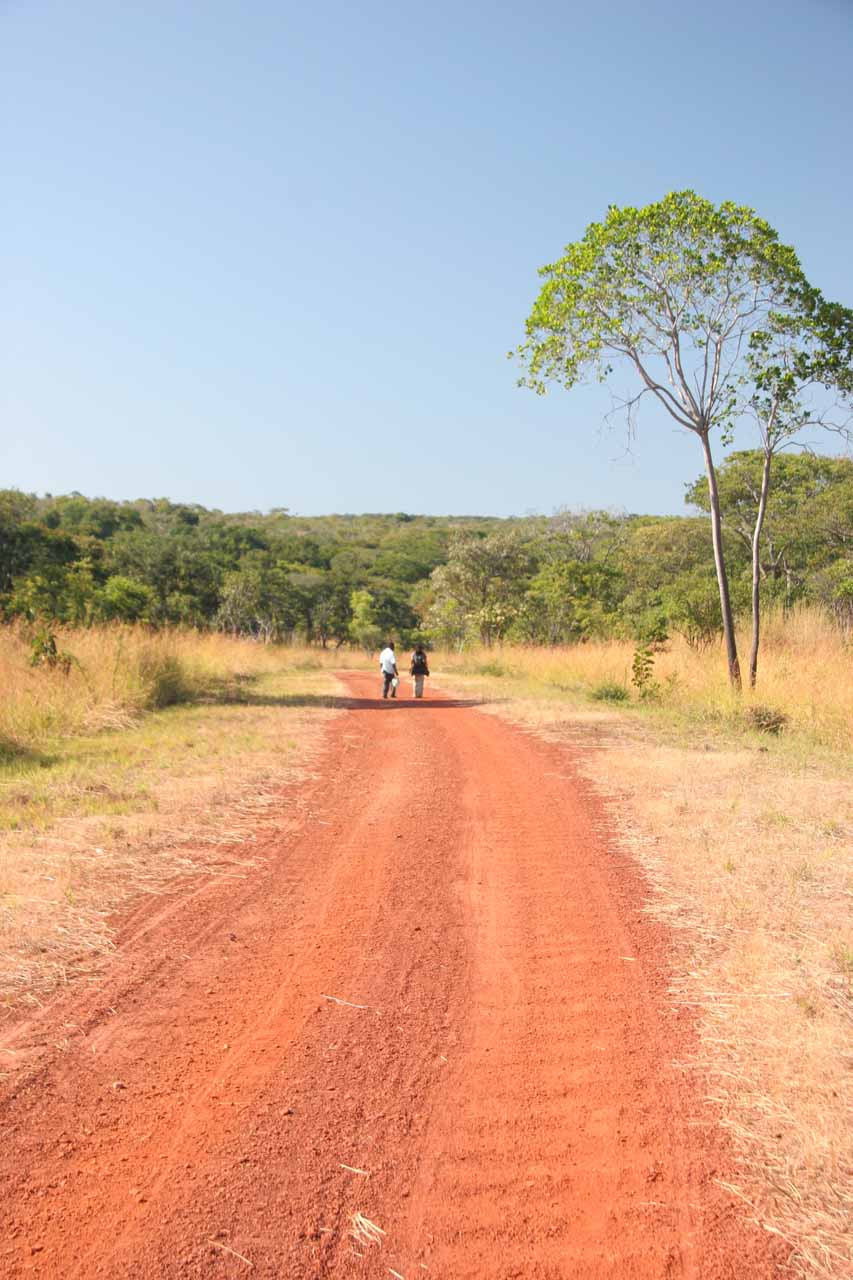 Walking on the 2km red dirt turnoff for Ntumbachushi Falls