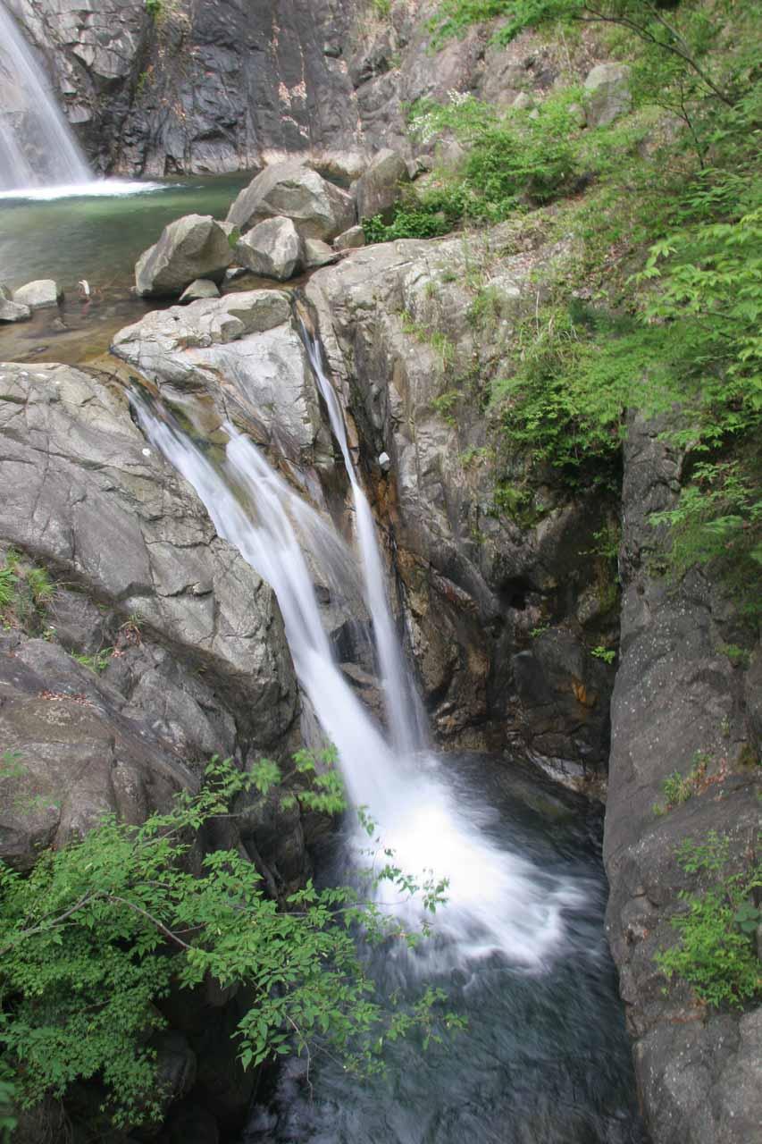 The third Nunobiki Waterfall called Meotodaki