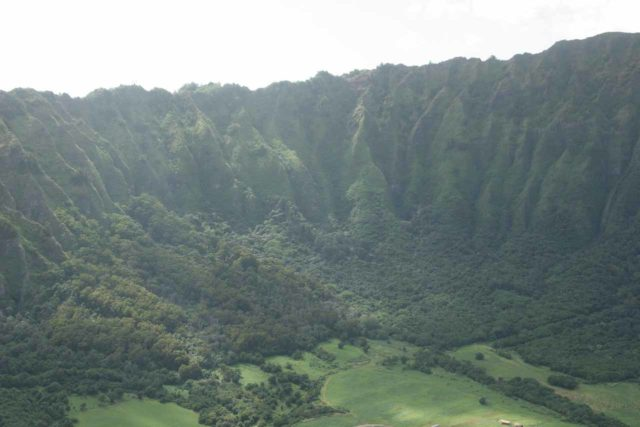 Oahu_Heli_023_01202007 - Flying over the fluted pali cliffs facing the east side from the Ko'olau Range