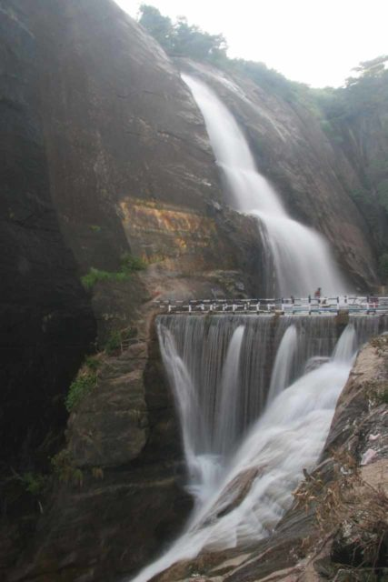 Old_Courtallam_Falls_009_11192009