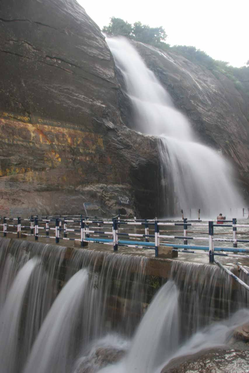 Closer look at the dam responsible for having a pool between the upper and lower tiers of Old Courtallam Falls