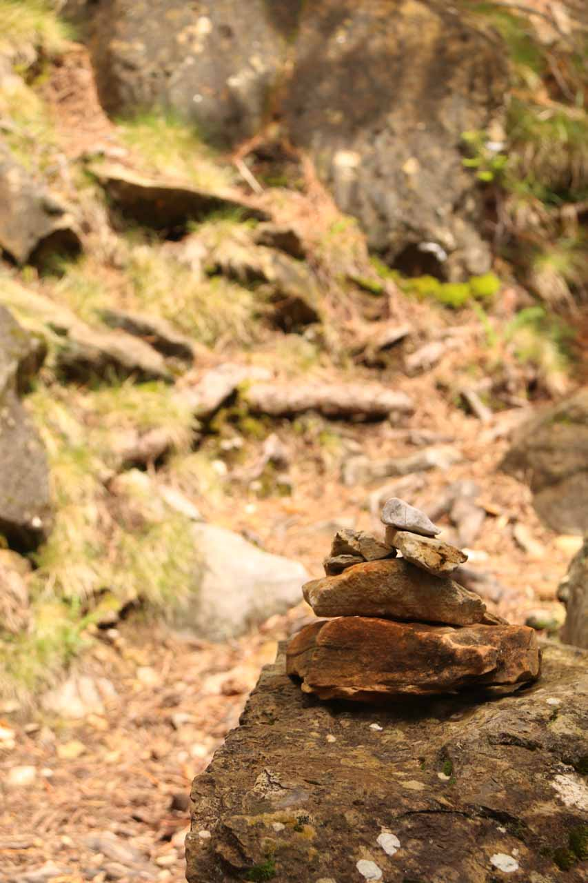 Closer look at a rock cairn set up for what I'd imagine was a scrambling marker to look for when returning to the main trail