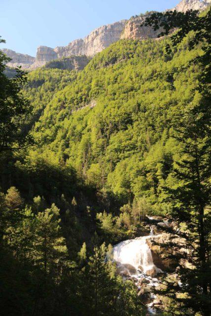 Ordesa_372_06172015 - Context of the Cascada de Arripas on the Río Arazas in context with the cliffs crowing the rim of the Ordesa Valley