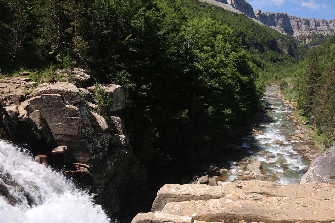 Looking back over the brink of the bottom tier of Gradas del Soaso