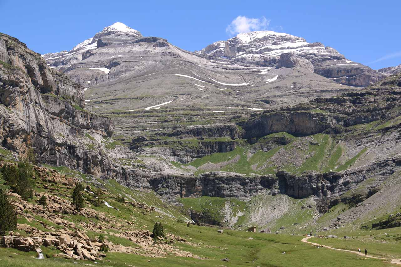My first look at the Circo de Soaso, which was still clinging onto its snow this late into June