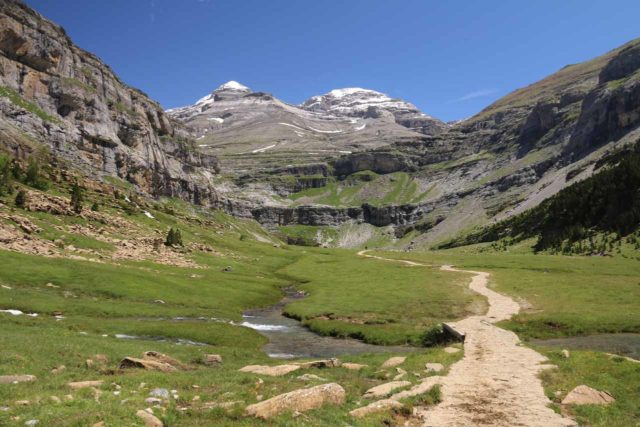 Ordesa_669_06172015 - Looking ahead towards the Circo del Soaso (the Soaso Cirque), which marked the head of the Ordesa Valley and the source of the Río Arazas