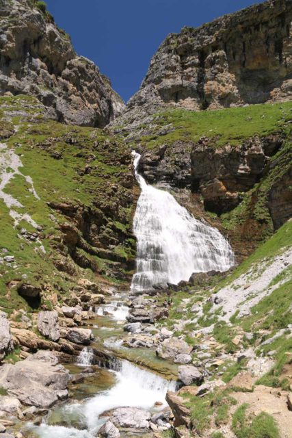 Ordesa_759_06172015 - Finally making it up to the fan-shaped Cola de Caballo Waterfall right at the base of the Circo del Soaso