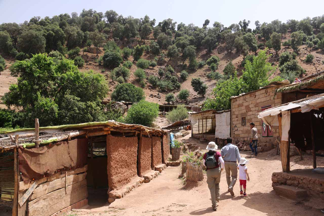 Walking through the village to get closer to the Sources Oum er-Rbia
