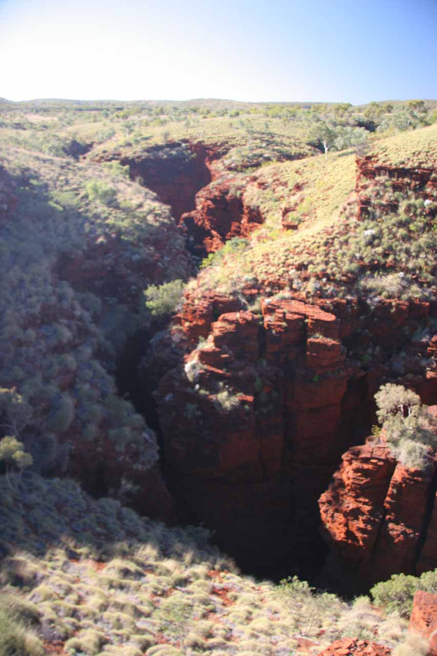 Before leaving Karijini NP, we made a quick stop at the Oxer Lookout not far from Joffre Falls