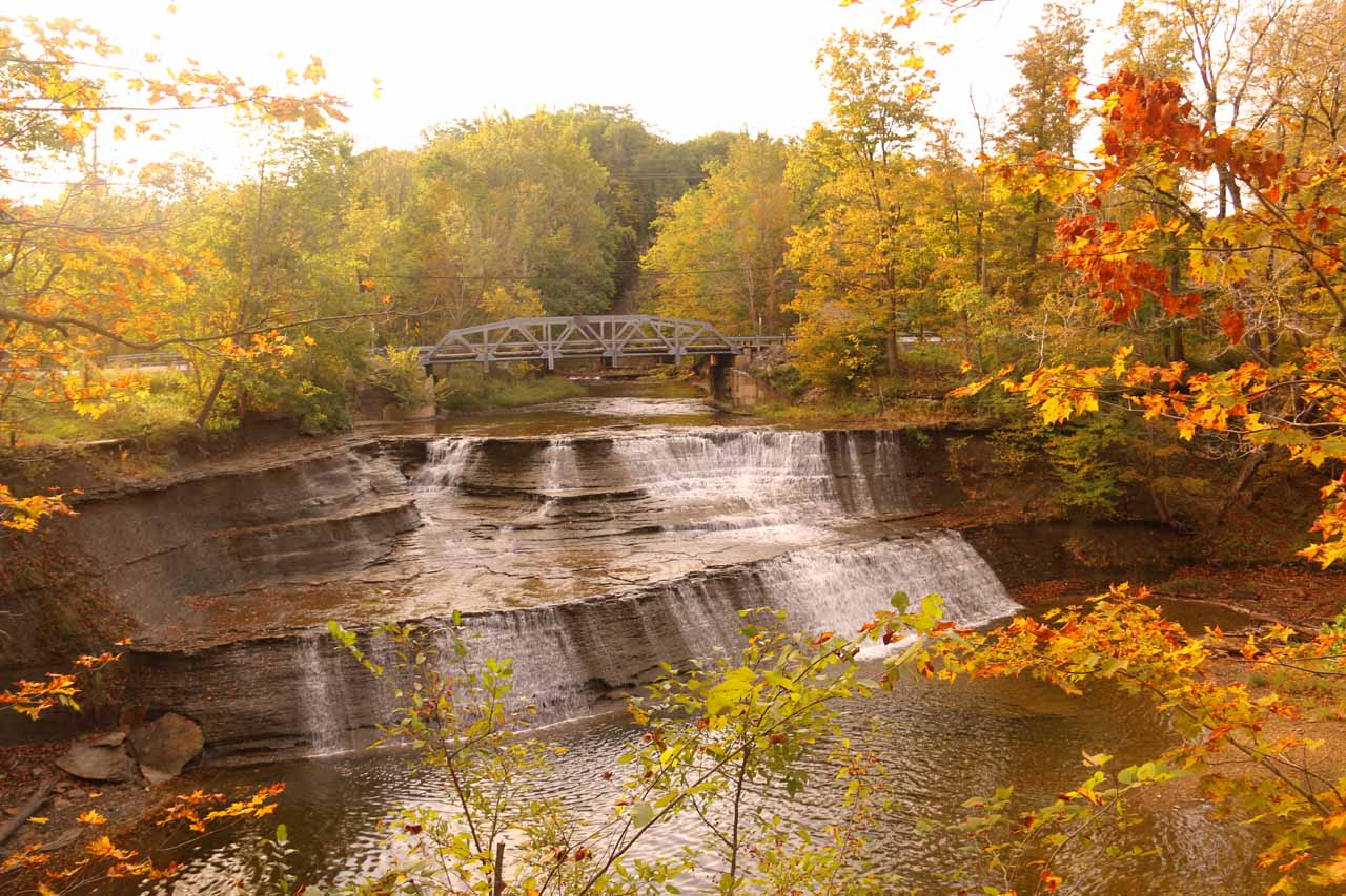 Gorgeous Fall colors around Paine Falls