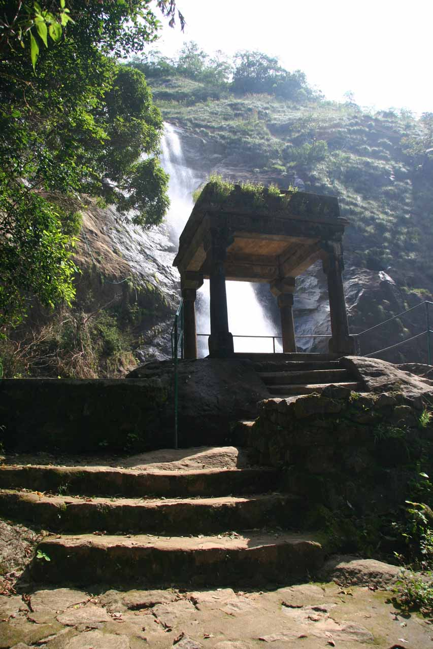 The upper overlook for Palaruvi Falls