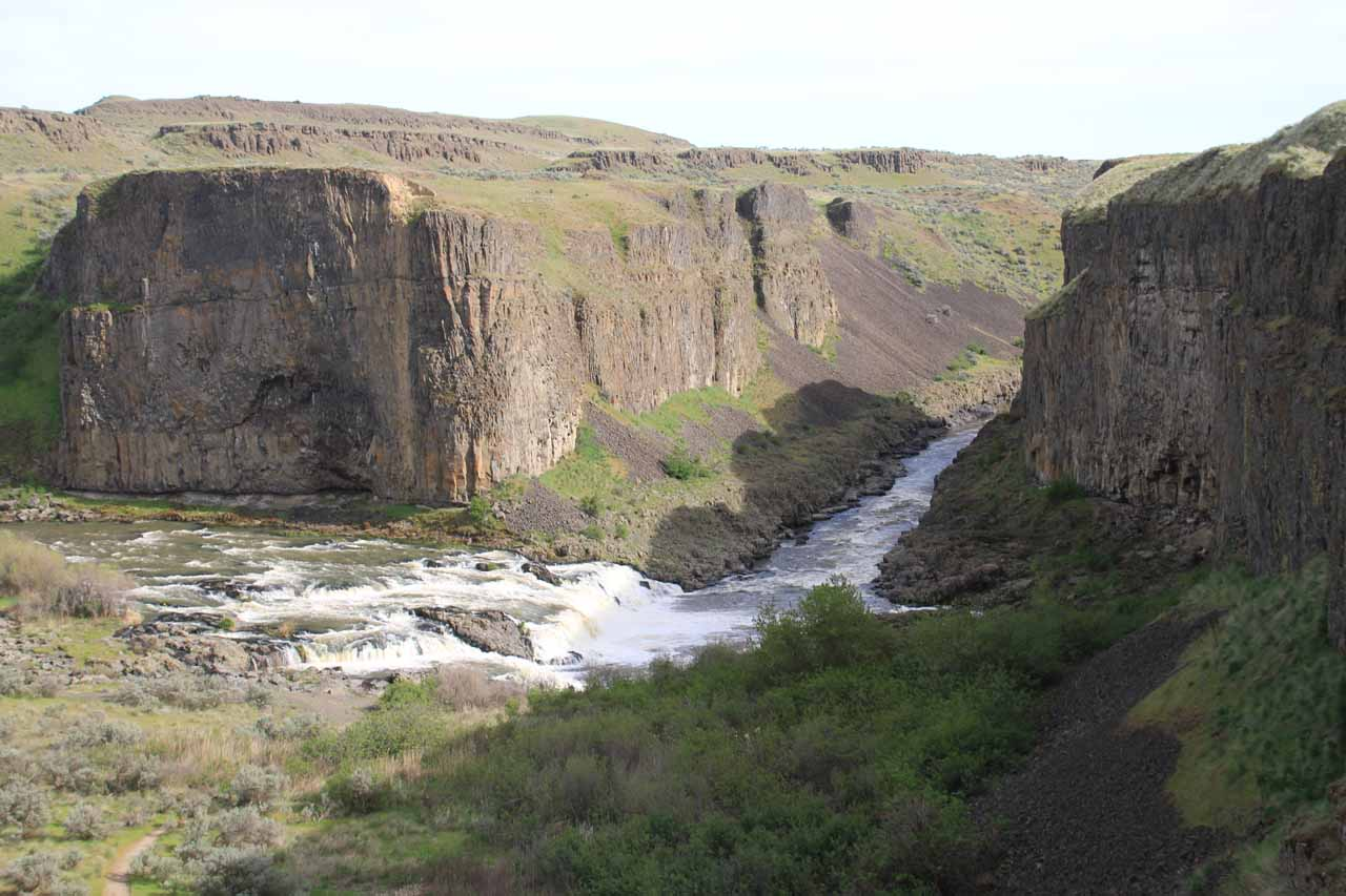 On the footpath leading down to the Upper Palouse Falls