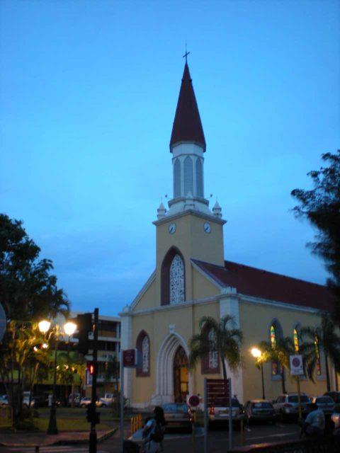 Papeete_Notre_Dame_001_12162012