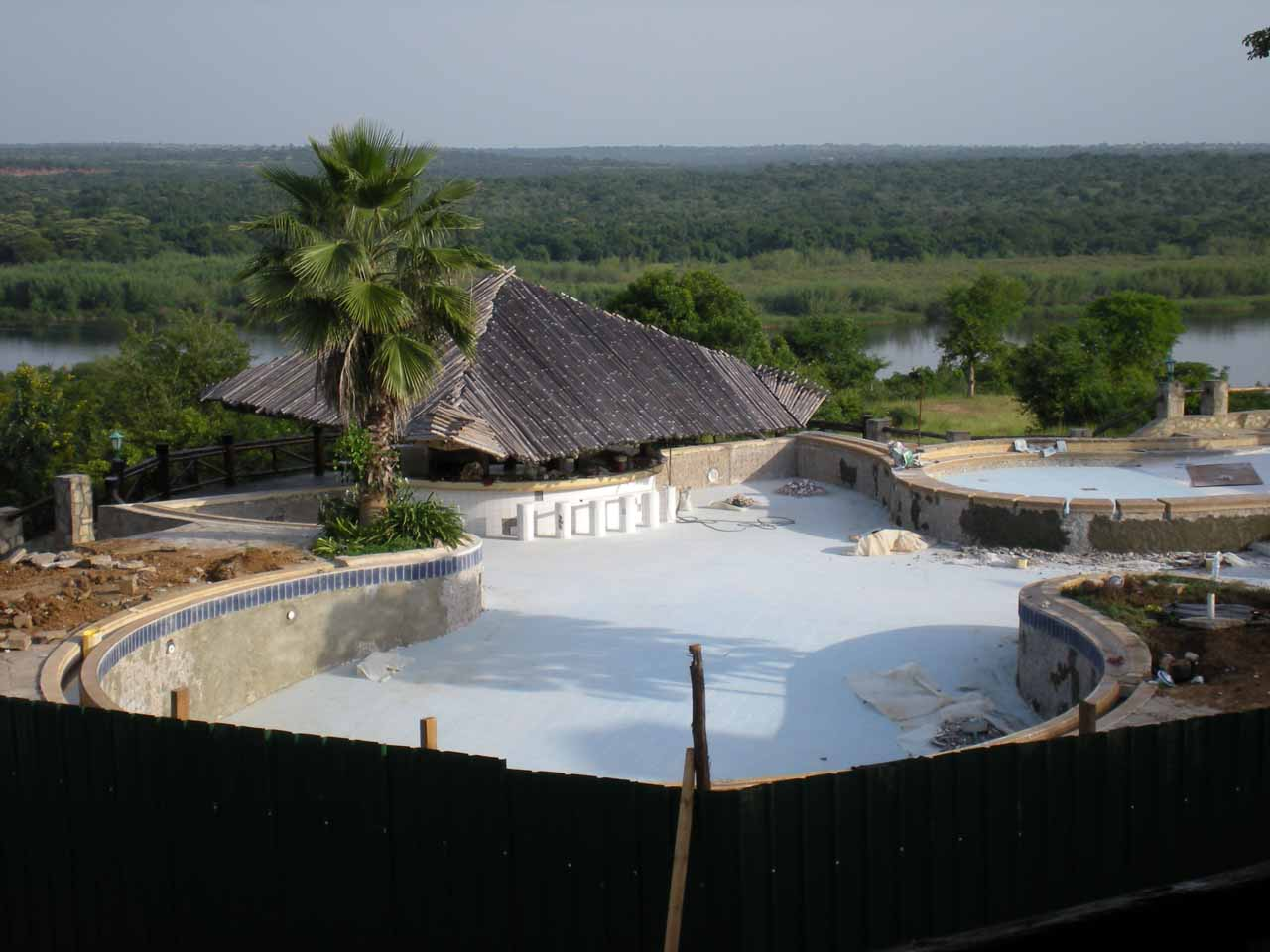 The closed swim-up bar at the Paraa Safari Lodge