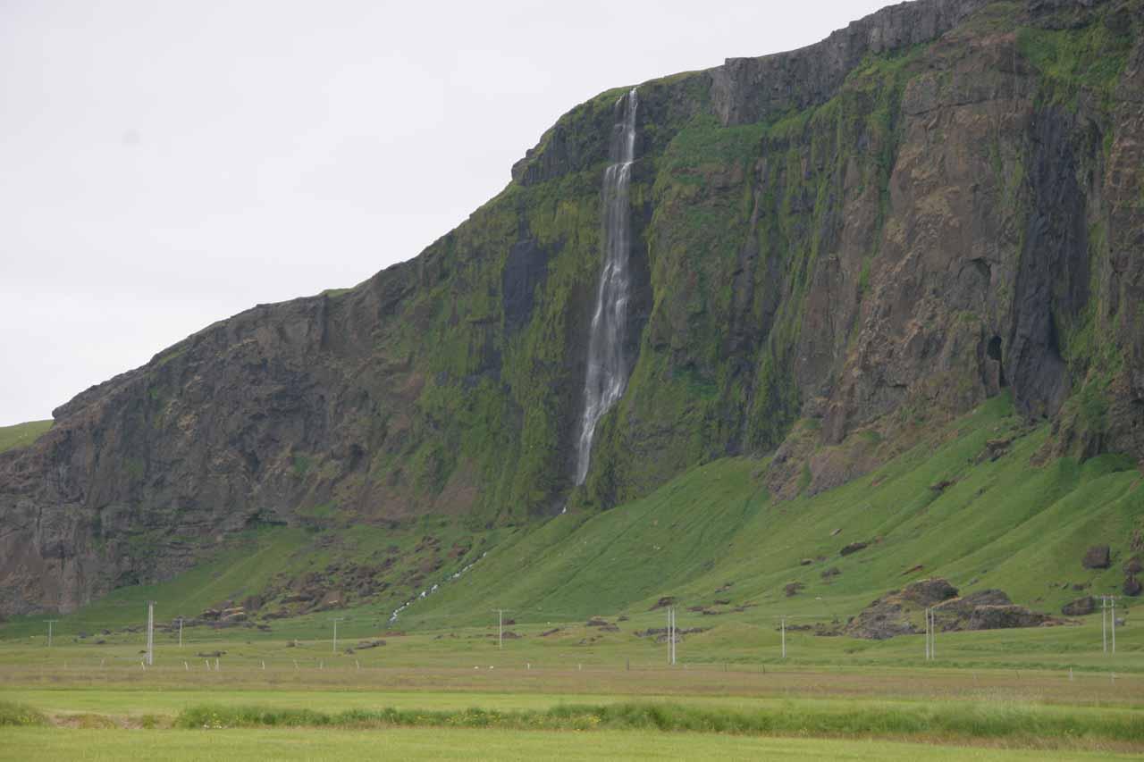 Interesting waterfall near Paradishellir