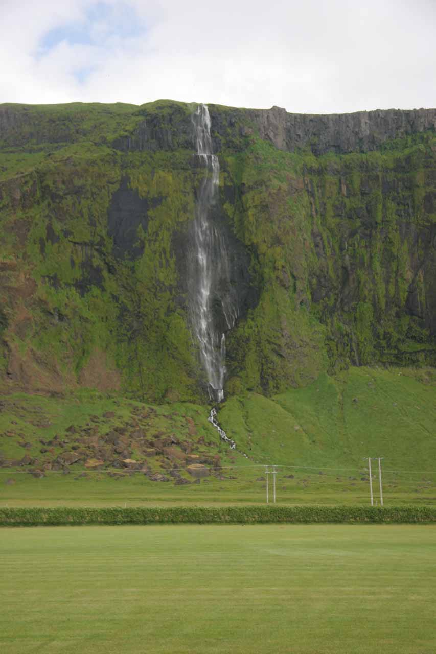 Waterfall by Paradishellir