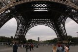 Paris_18_071_06142018 - Back at the base of the Eiffel Tower