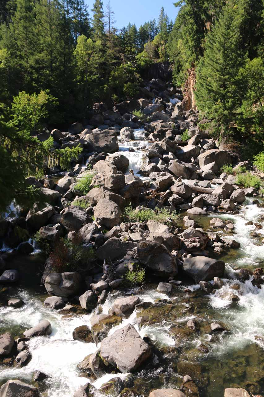 This cascading part of the Rogue River over some very large boulders was the so-called Avenue of the Boulders or Giant Boulders according to another sign