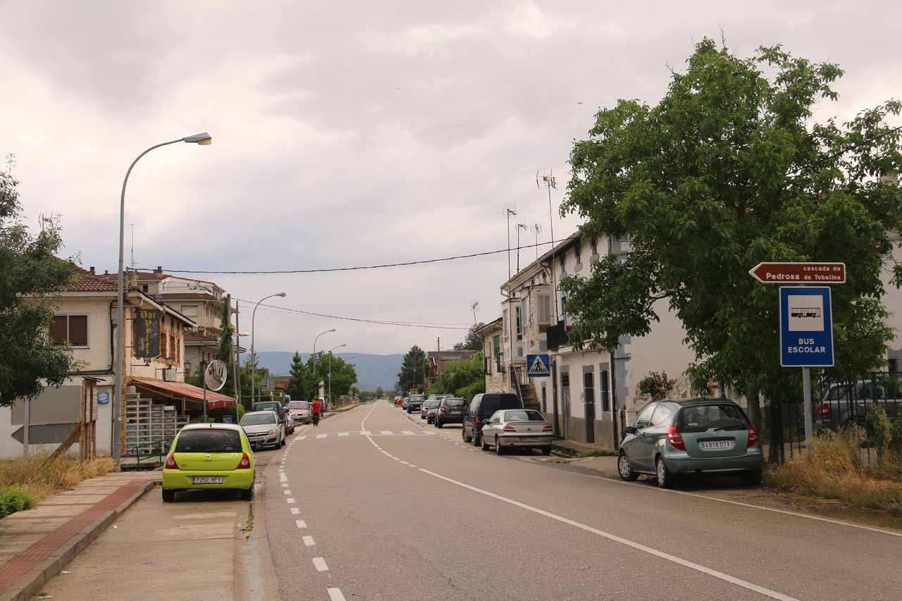The main road passing through the town of Pedrosa de Tobalina