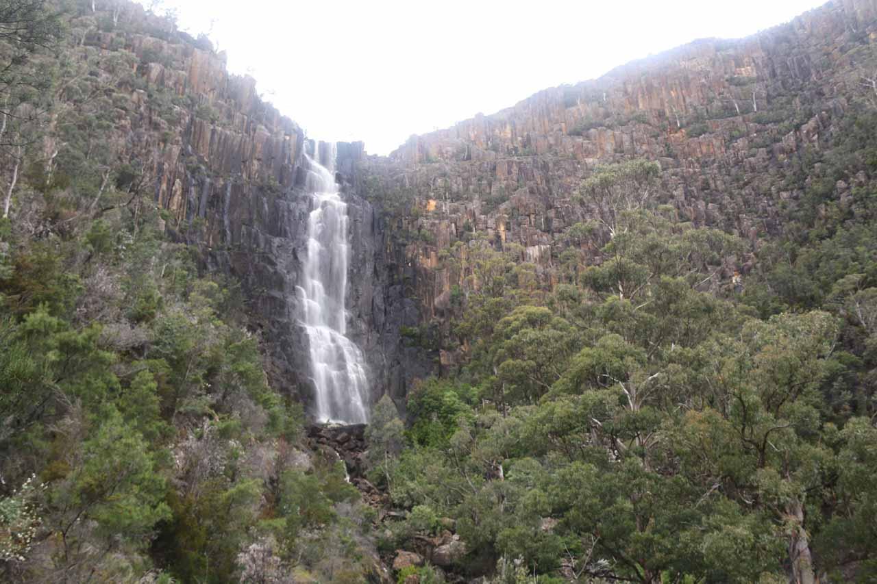Contextual look at Pelverata Falls and the surrounding cliffs