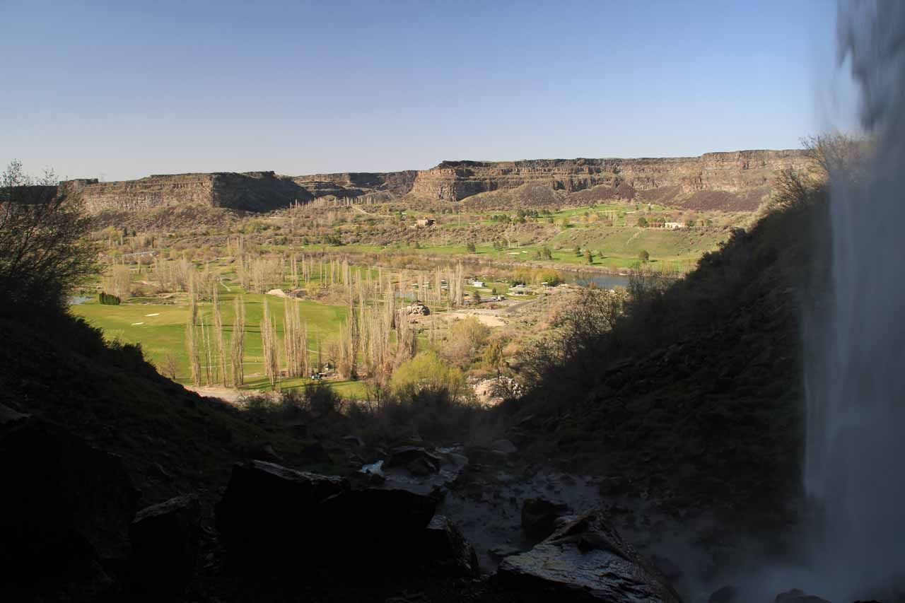 Looking out towards the Snake River Canyon from the other side of the backside of Perrine Coulee Falls