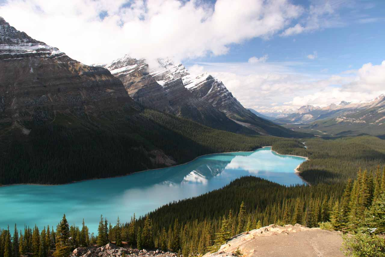 Prior to visiting Bow Glacier Falls, we had to take advantage of the good weather and visit Peyto Lake