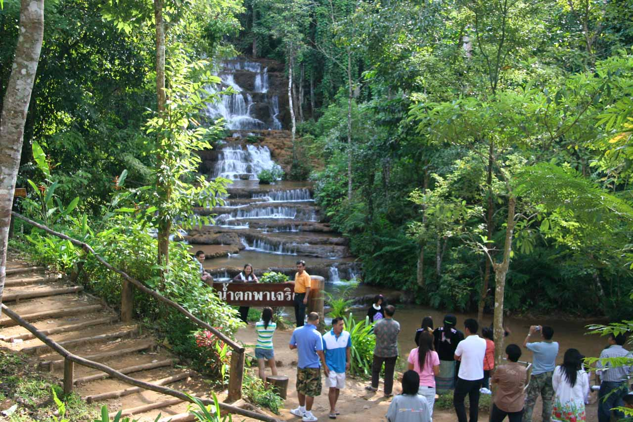 When we returned to the bottom of the Pha Charoen Waterfall, that was when the crowds really showed up