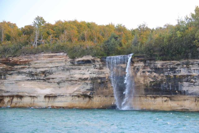 Pictured_Rocks_cruise_384_09302015 - The full width of Spray Falls as seen from the popular Pictured Rocks Tour