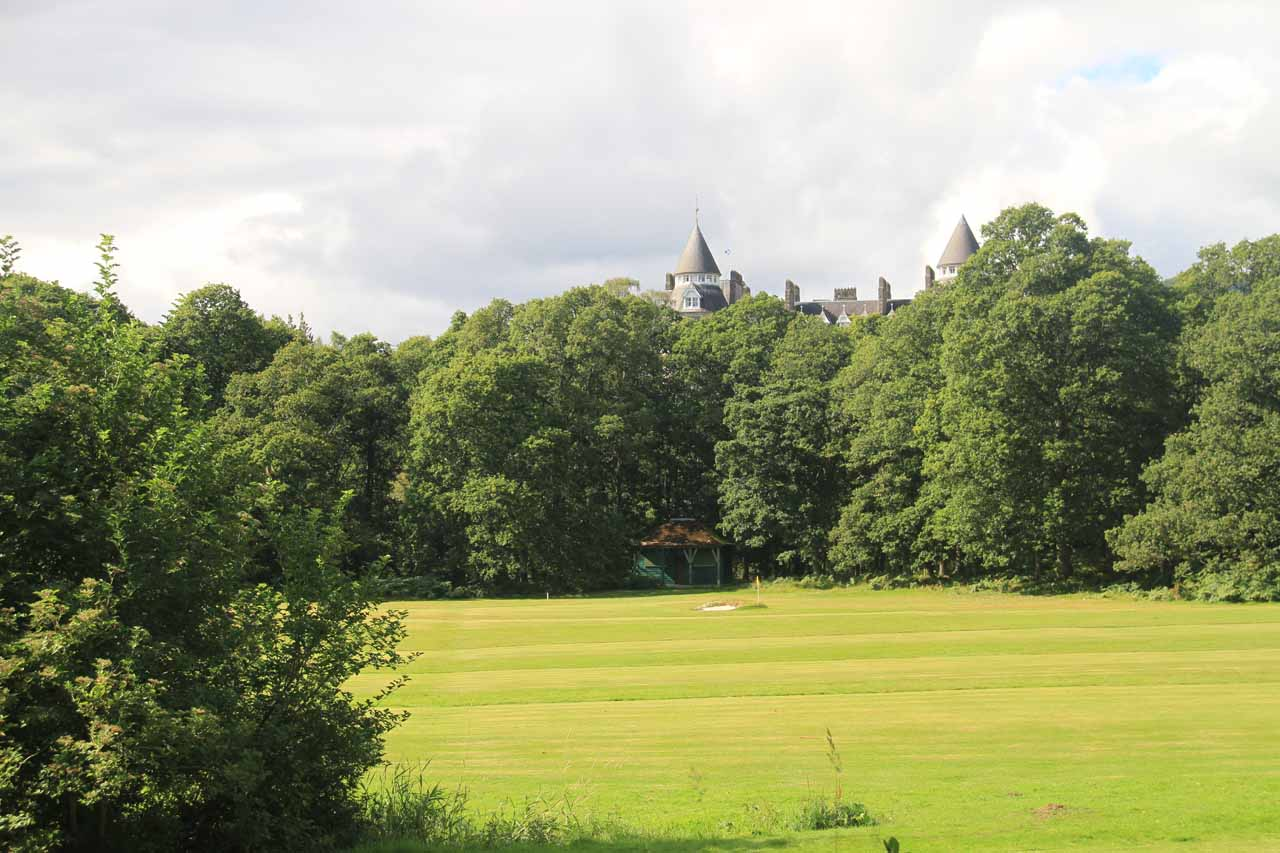 As I was walking uphill beyond the car park, I skirted past this golf course fronting the Atholl Palace Hotel and Museum