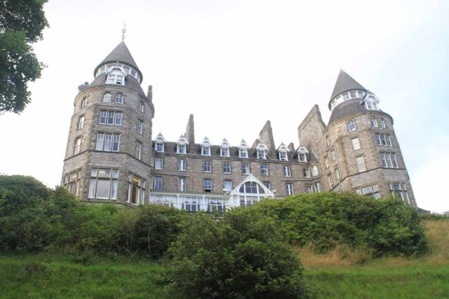 Pitlochry_088_08232014 - The castle-like Atholl Palace Hotel and Museum