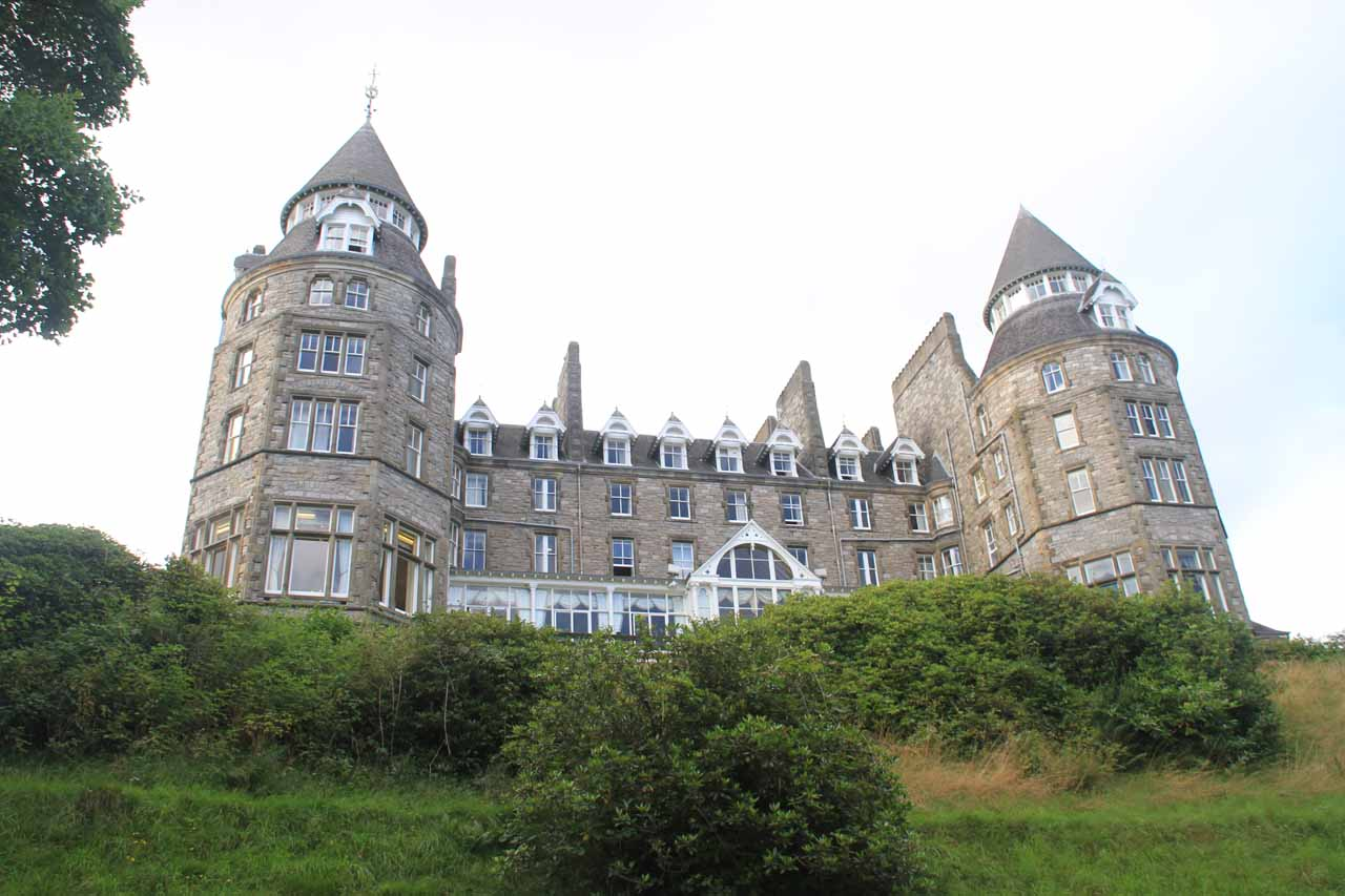 The castle-like Atholl Palace Hotel and Museum