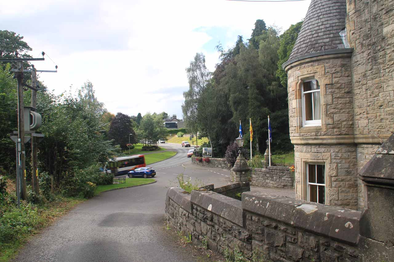 Leaving the Atholl Palace driveway and about to rejoin the A924 road leading back to Pitlochry