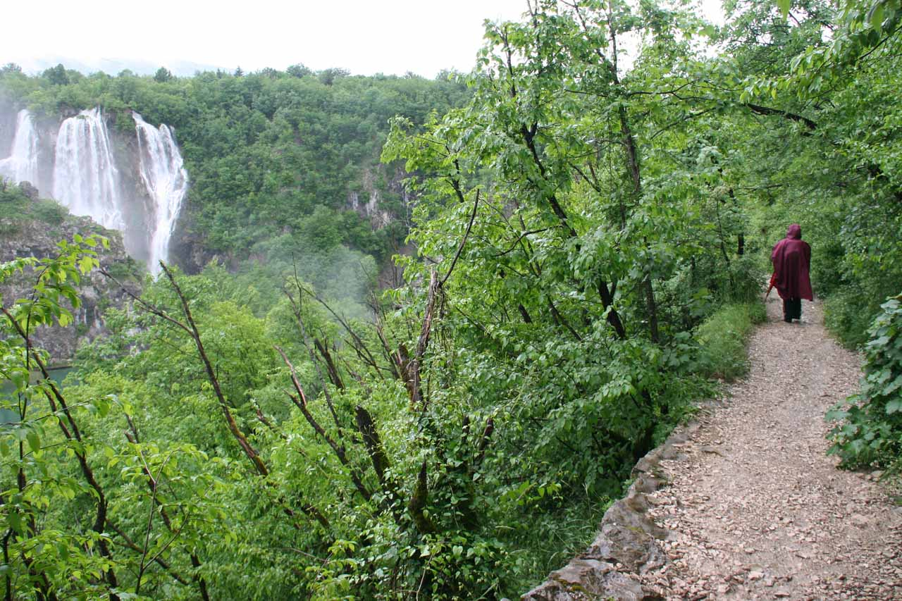 Walking along one of the Upper Gorge tracks towards Veliki Slap