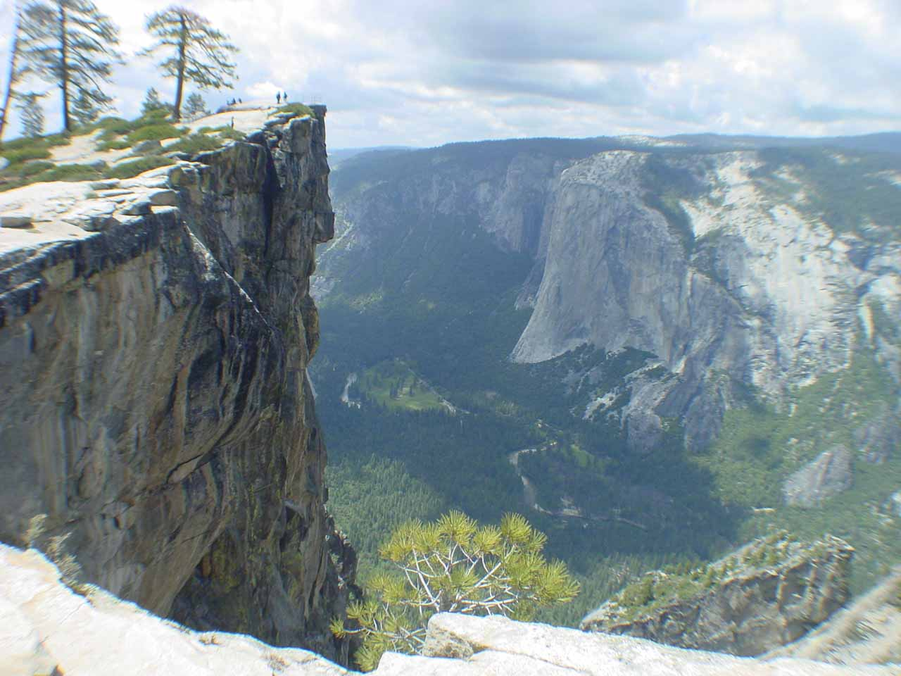 The vertical cliffs of Taft Point