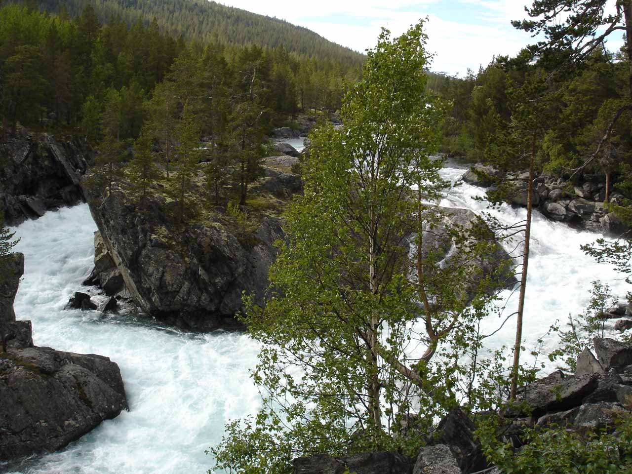 Another part of the rapids near where the map said Pollfoss was supposed to be