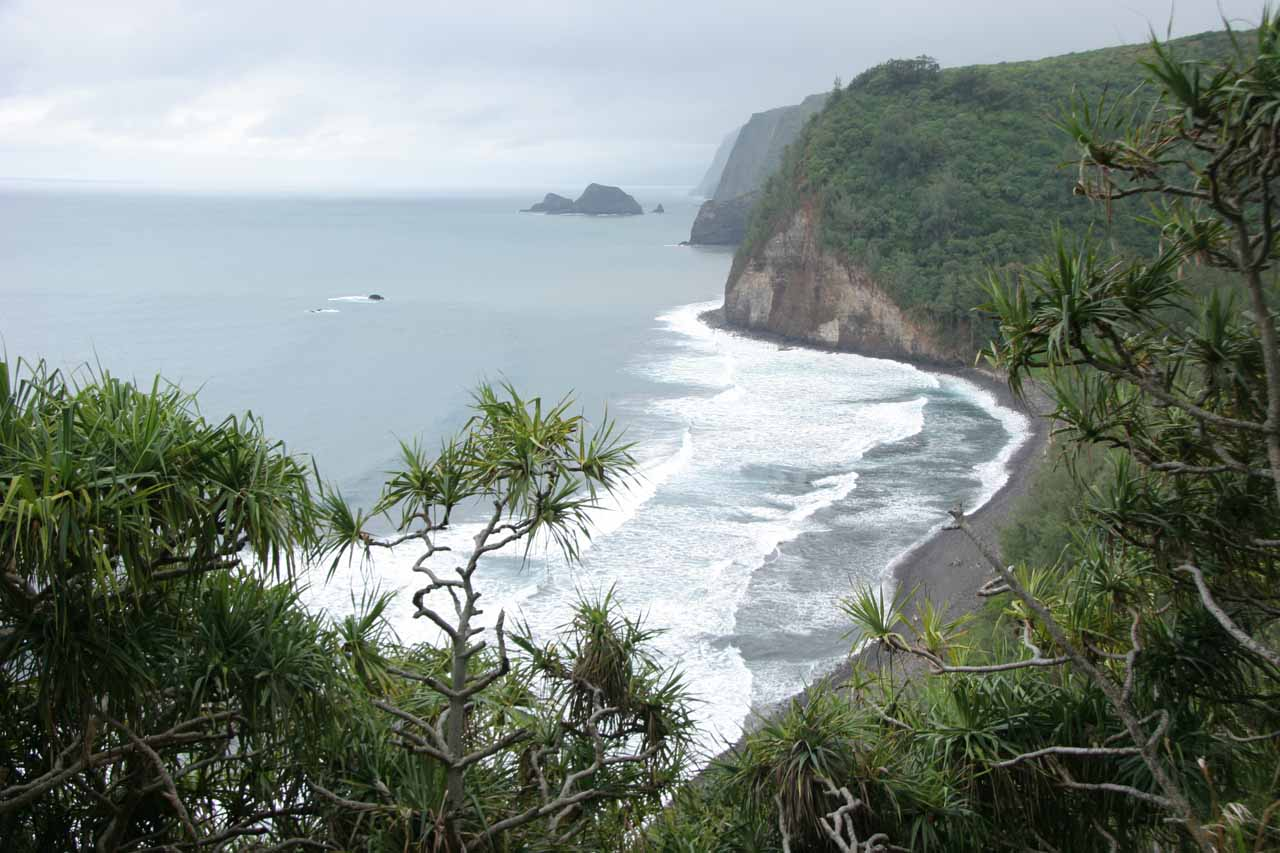 While Waipi'o Valley was the easternmost of the valleys in the Kohala Mountains in northeast Big Island, Pololu Valley was the westernmost of these valleys